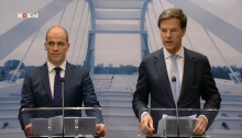 Diederik Samson (left, Labour) and Prime Minister Mark Rutte (right, VVD)